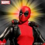ONE:12 Collective Marvel Universe Deadpool 1/12 Mezco
