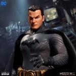 ONE:12 Collective DC Comics Ascending Knight Batman 1/12 Mezco