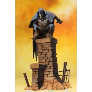 ARTFX DC Comics and DC UNIVERSE Batman Gotham by Gaslight Artist Finish 1/10 Kotobukiya